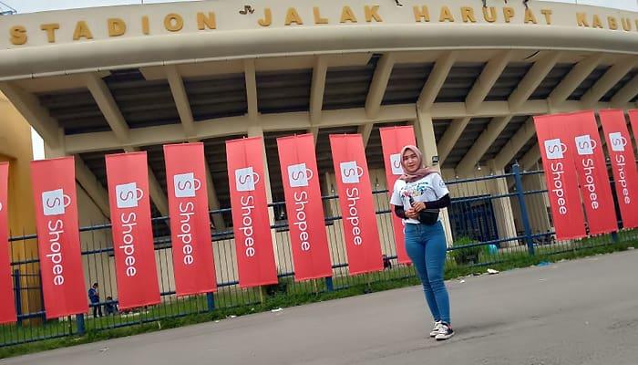 Pengalaman Siti Hanipa, Bobotoh Asal Tangerang, Sempat Tegang Berada di Tengah Bentrokan Suporter