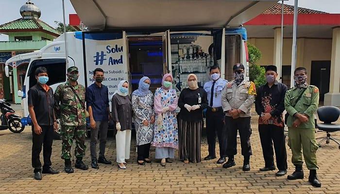 Sukseskan PEN, bank bjb Ikut Salurkan Bantuan Dana Desa di Kabupaten Bekasi