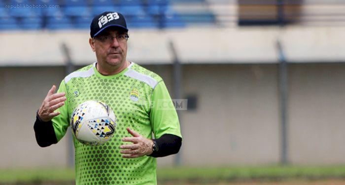 Beredar Jadwal Persib Hadapi Arema FC di Piala Wali Kota Solo, Begini Respons Robert